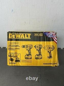 DEWALT 20V Cordless 3 Tool Hammerdrill & Impact Driver Combo Kit DCK351M2